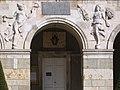 Beaune - Hôtel de ville - Hermès et Cérès.jpg