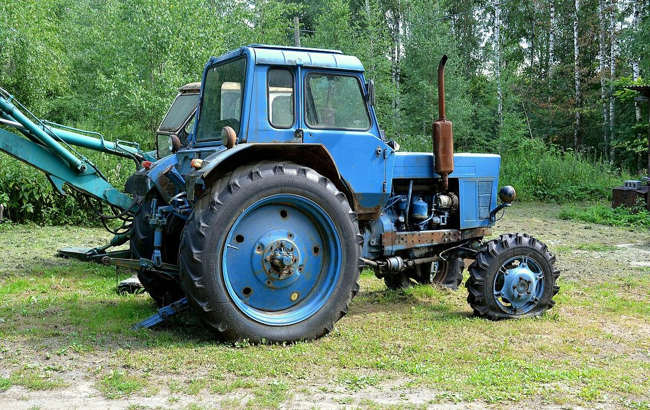 Трактор мтз 82 1993 года с плугом купить в городе Казани.