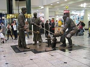 Benjamin Huntsman - A tribute set of figures to Huntsman.