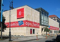 Berlin, Mitte, Behrenstraße, Komische Oper 02.jpg