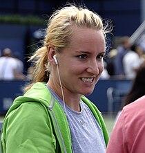 Bethanie Mattek-Sands at the 2009 US Open 01.jpg
