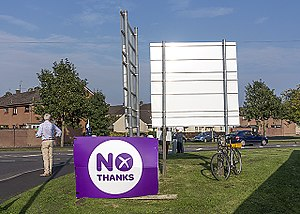 Better Together (campaign) - Better Together campaigners in Kinross with No Thanks branding.