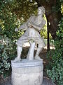 Boboli, isolotto, statua laterale 13.JPG