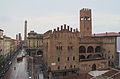 Bologna.Palazzo Re Enzo, Via Rizzoli et Torre degli Asinelli.jpg