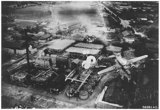 Allied bombing of the Byoritsu oil refinery on Formosa, May 25, 1945 Bombing campaign. Southeast Asia & the Pacific - NARA - 292592.tif
