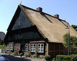 Alte Dorfschule von 1683 in Borsfleth.