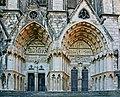 Bourges-Kathedrale-126-Westfassade-Portale rechts-2008-gje.jpg