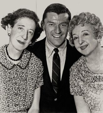 Doro Merande - Doro Merande, Frank Aletter, and Enid Markey in the sitcom Bringing Up Buddy (1960-1961).