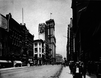 Broadway Theatre (41st Street) - The Broadway Theatre on the left in 1912, playing Hanky Panky
