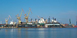 Brosen remontowa floating docks.jpg