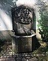 Brunnen Nymphenburger Friedhof München.jpg