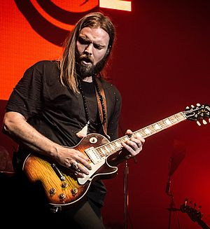 Bush (British band) - Current guitarist Chris Traynor performing with Bush in 2016.