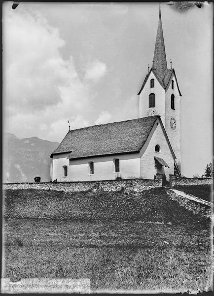 File:CH-NB - Versam, Kirche, vue d'ensemble extérieure - Collection Max van Berchem - EAD-7054.tif