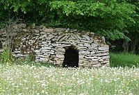 Cabane en pierre sèche de La Marre.jpg