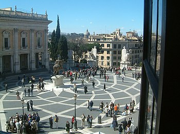 English: View from the Piazza del Campidoglio.