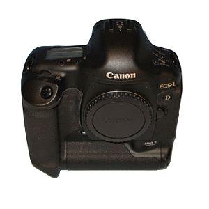 300px-Canon_1D_II_img_0496.jpg