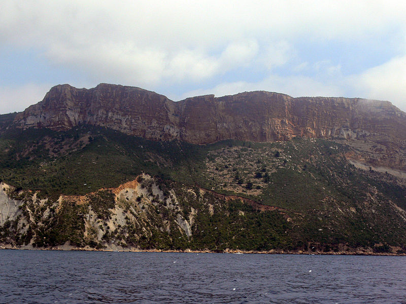 Fichier:Cap Canaille - from the sea (North part).JPG