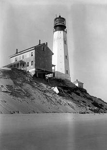 Flashing Red Light >> Cape Henlopen Light - Wikipedia