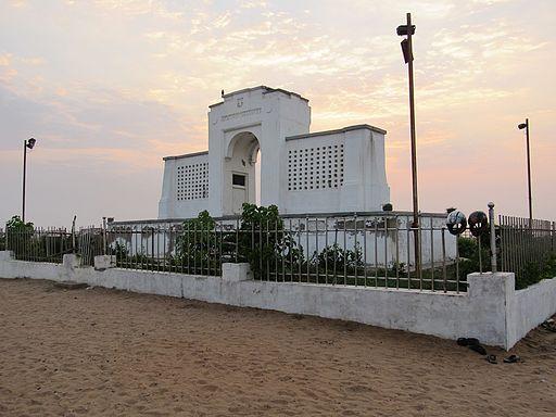 Carl-Schmidt-Monument-Besant-Nagar-beach