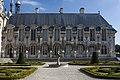 Château de Chantilly-Aile ouest du Petit Château-20120917.jpg