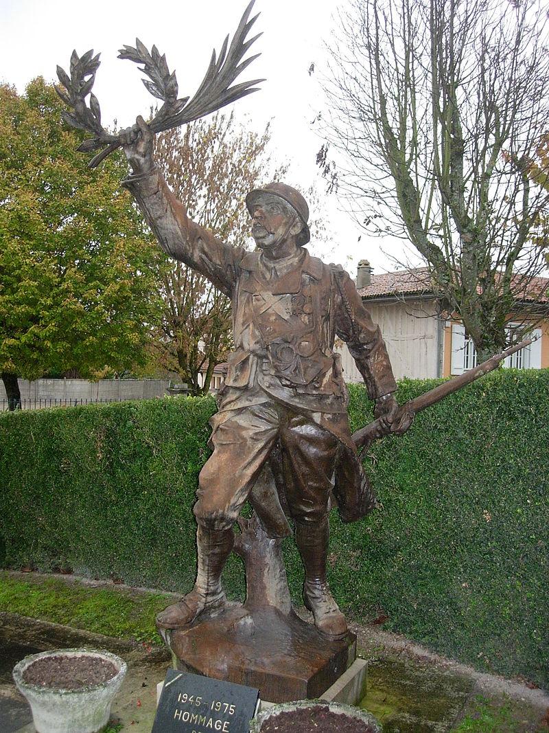 Chavanges monument aux morts 13 novembre 2006.jpg