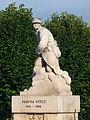 Chestres-FR-08-monument tchécoslovaque-08.jpg