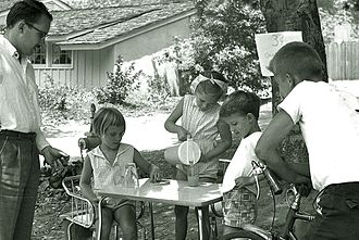 La Cañada Flintridge, California - Children operating a lemonade stand on Lyans Drive in La Canada, 1960