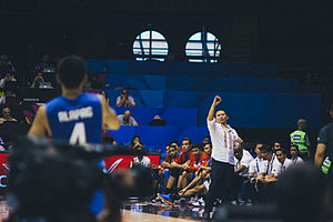 Chot Reyes - Reyes giving instructions to Jimmy Alapag