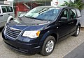 Chrysler Town & Country LX 3.8 2008 (38445414105).jpg