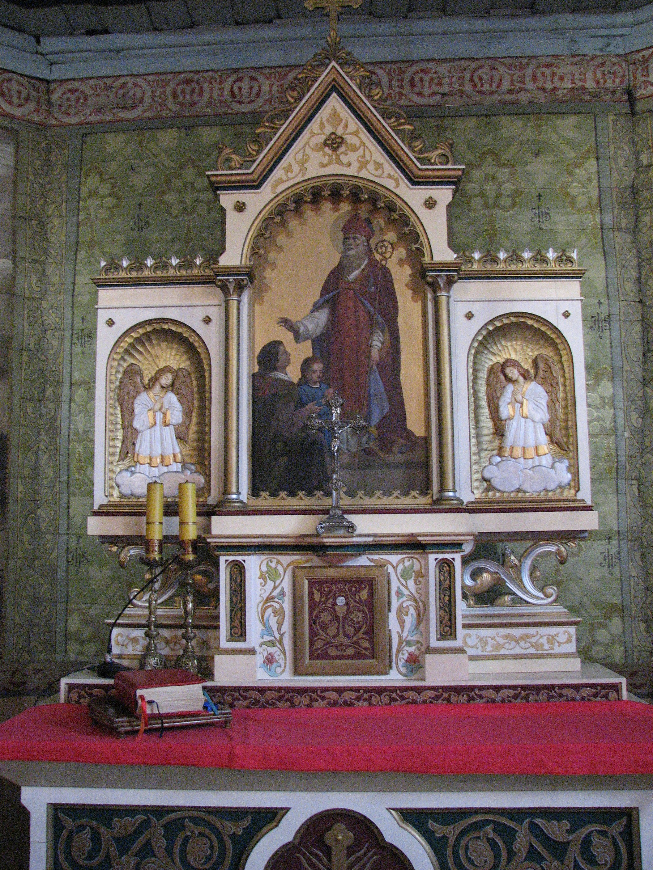 File:Church Of Saint Valentine In Woźniki Slaskie Altar.JPG