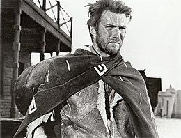 Un fotogramma raffigurante Clint Eastwood in Per un pugno di dollari (1964)