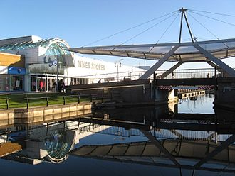Clydebank - Image: Clyde Shopping Centre bridge and canal