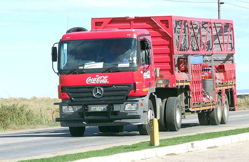 File coca cola mercedes benz actros 17041610209 jpg for Bob ross mercedes benz