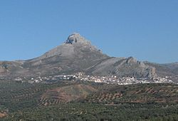 Cogollos Vega with the Peñón de la Mata