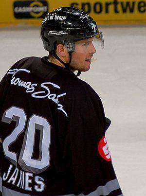Connor James - Image: Connor James im Trikot der Nürnberg Ice Tigers