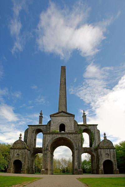 File:Conollys Folly - the obelisk.jpg