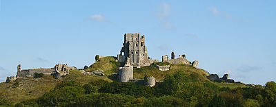 Corfe castle 1 edit.jpg
