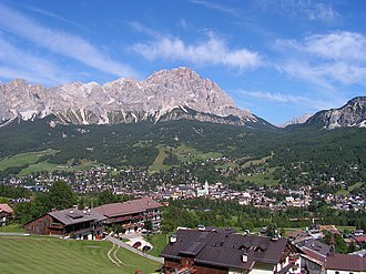 The Amazing Race 4 - The resort town of Cortina d'Ampezzo in the Dolomites was visited on this leg, featuring winter-related tasks.