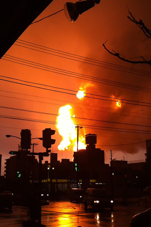 An explosion occurs at the Cosmo Oil refinery in Ichihara, Chiba.