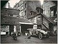 Cour, rue de Valence MET DP112707.jpg