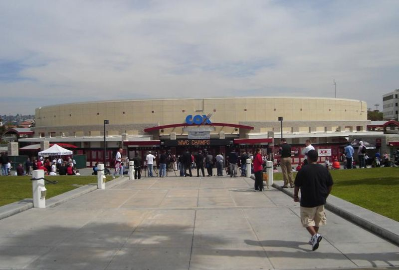 File:Cox arena front.JPG