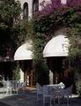 Cozy patio in Los Angeles, California LCCN2011634750.tif