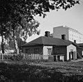 Creutzinkatu, nykyinen Vänrikki Stoolin katu 12. Taustalla Apollonkatu 3 - N1899 (hkm.HKMS000005-0000014b).jpg
