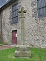 Croix de l'ancien cimetière adossée au chevet de l'église 2, Champsecret, Orne, Basse Normandie, France.JPG