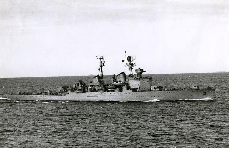 Cruiser HMS Göta Lejon in 1958.jpg