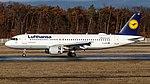 D-AIZN Lufthansa A320 FRA (45701291994).jpg