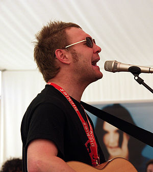 David Gray (musician) - Gray performing an acoustic set on 17 August 2003