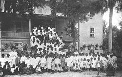 mayesville girls Mary mcleod bethune with girls from the literary and industrial training school for negro girls in daytona an historical marker in mayesville.