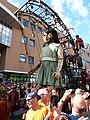 De reuzen van Royal de Luxe in Leeuwarden - Het kleine reuzenmeisje.jpg