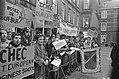 Demonstraties bij het Binnenhof Den Haag tijdens EEG- conferentie. Demonstranten, Bestanddeelnr 923-0365.jpg